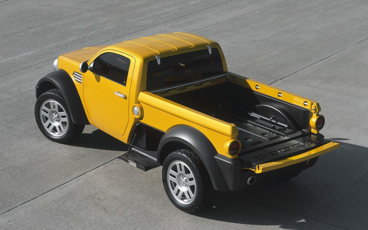 2002 Dodge M80 Concept From Above1