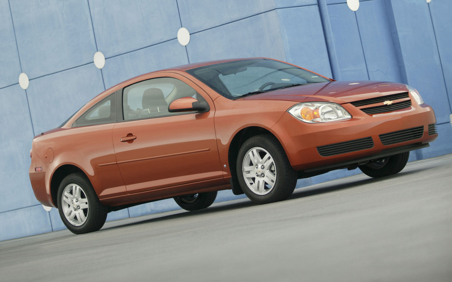 2008 Chevrolet Cobalt Coupe Front Angle1