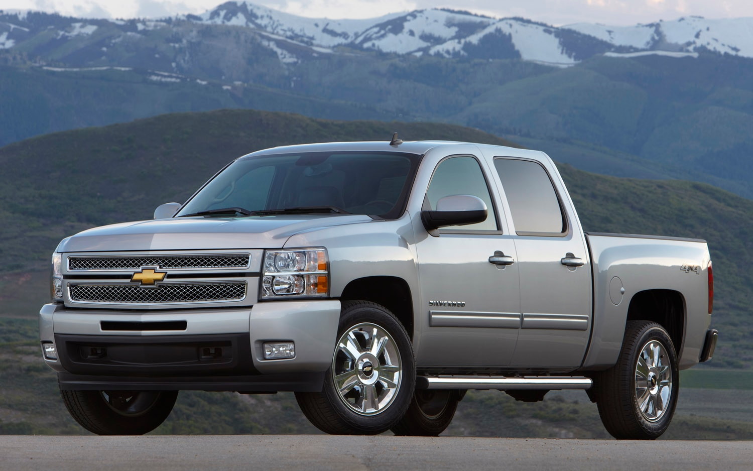 2012 Chevrolet Silverado LTZ Front Three Quarter1