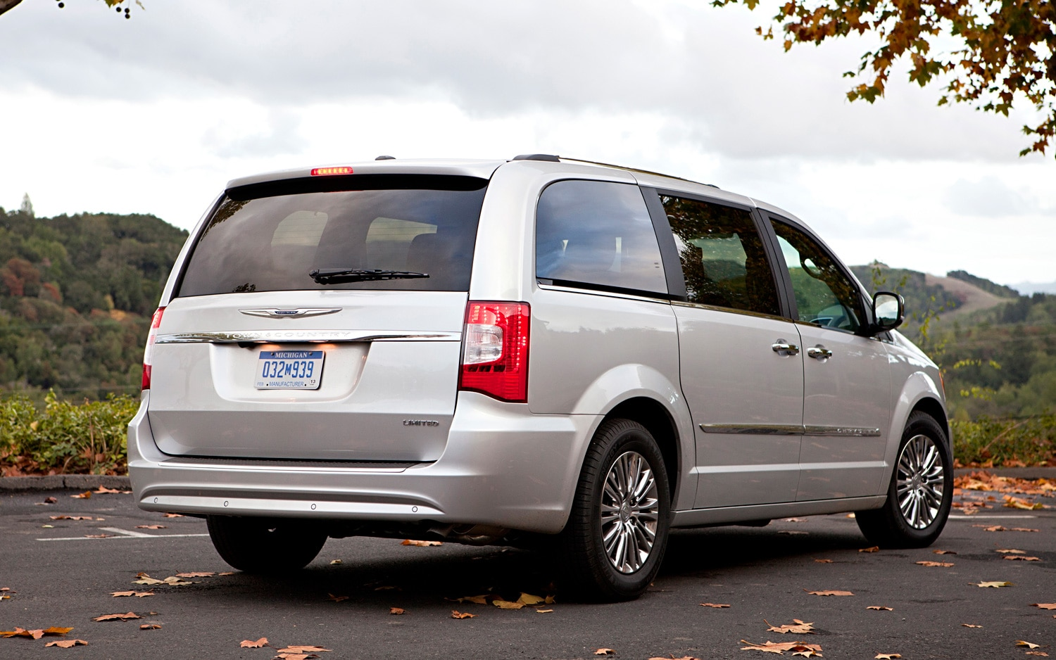 2012 Chrysler Town Country Rear Three Quarter1