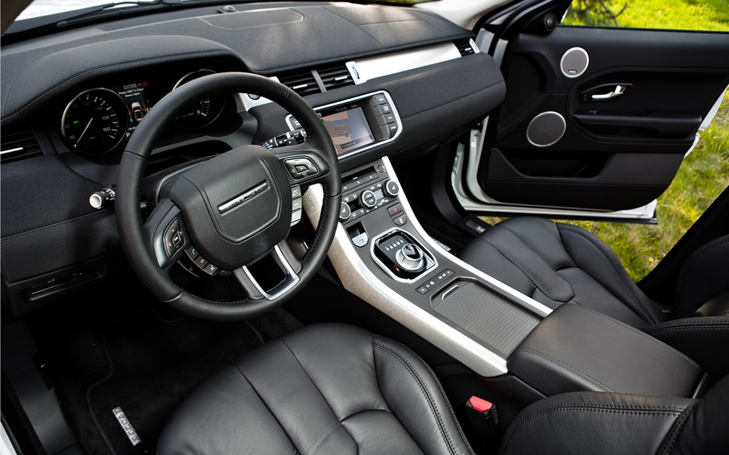 range rover evoque 4 door interior images galleries with a bite. Black Bedroom Furniture Sets. Home Design Ideas