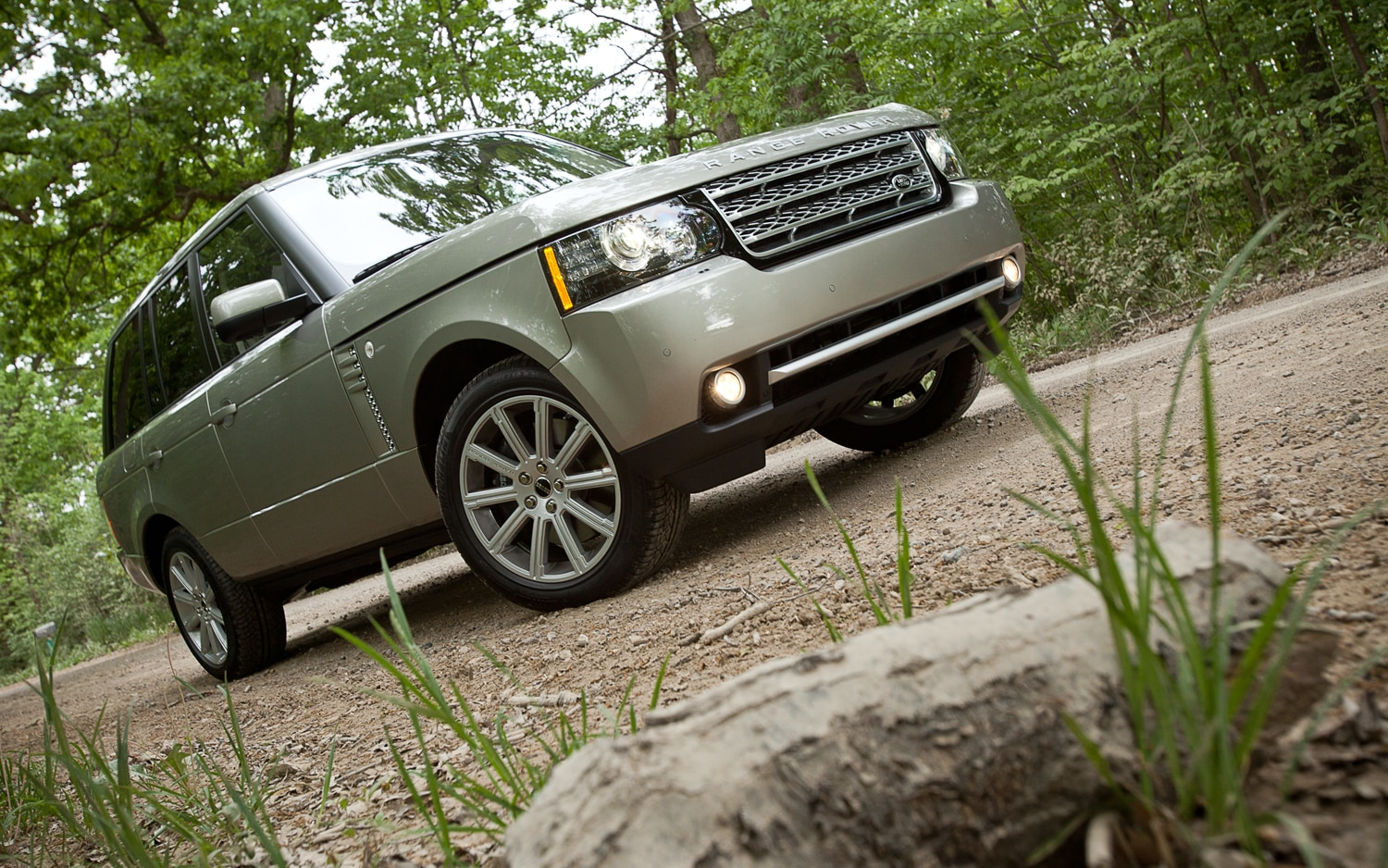 2012 Land Rover Range Rover Supercharged Front Right View1