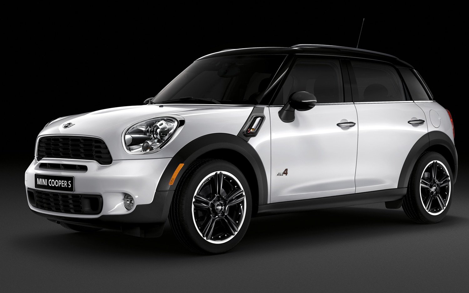 2012 Mini Cooper S Countryman ALL4 Front Left Side View1
