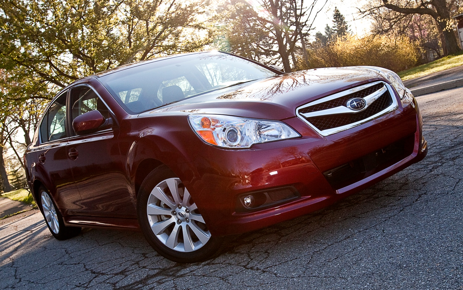 2012 Subaru Legacy 3 6R Limited Front Right View1
