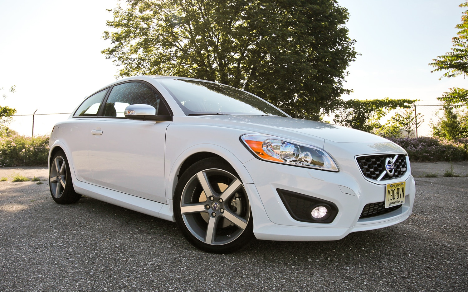 2012 Volvo C30 R Design Front Right Side View1