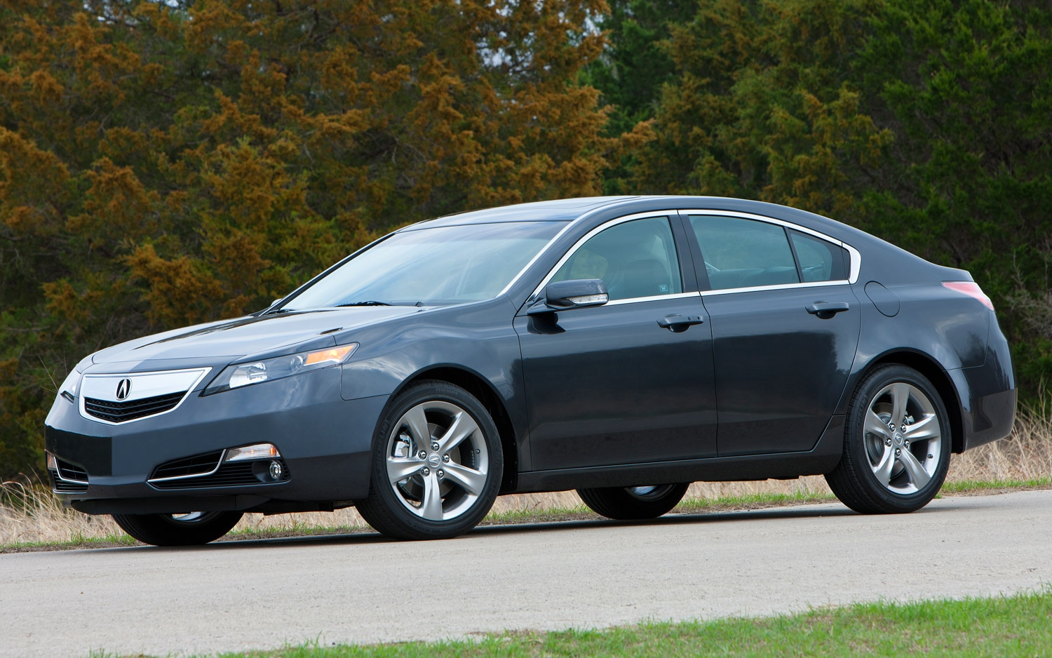 2013 Acura TL SH AWD Front Side View11