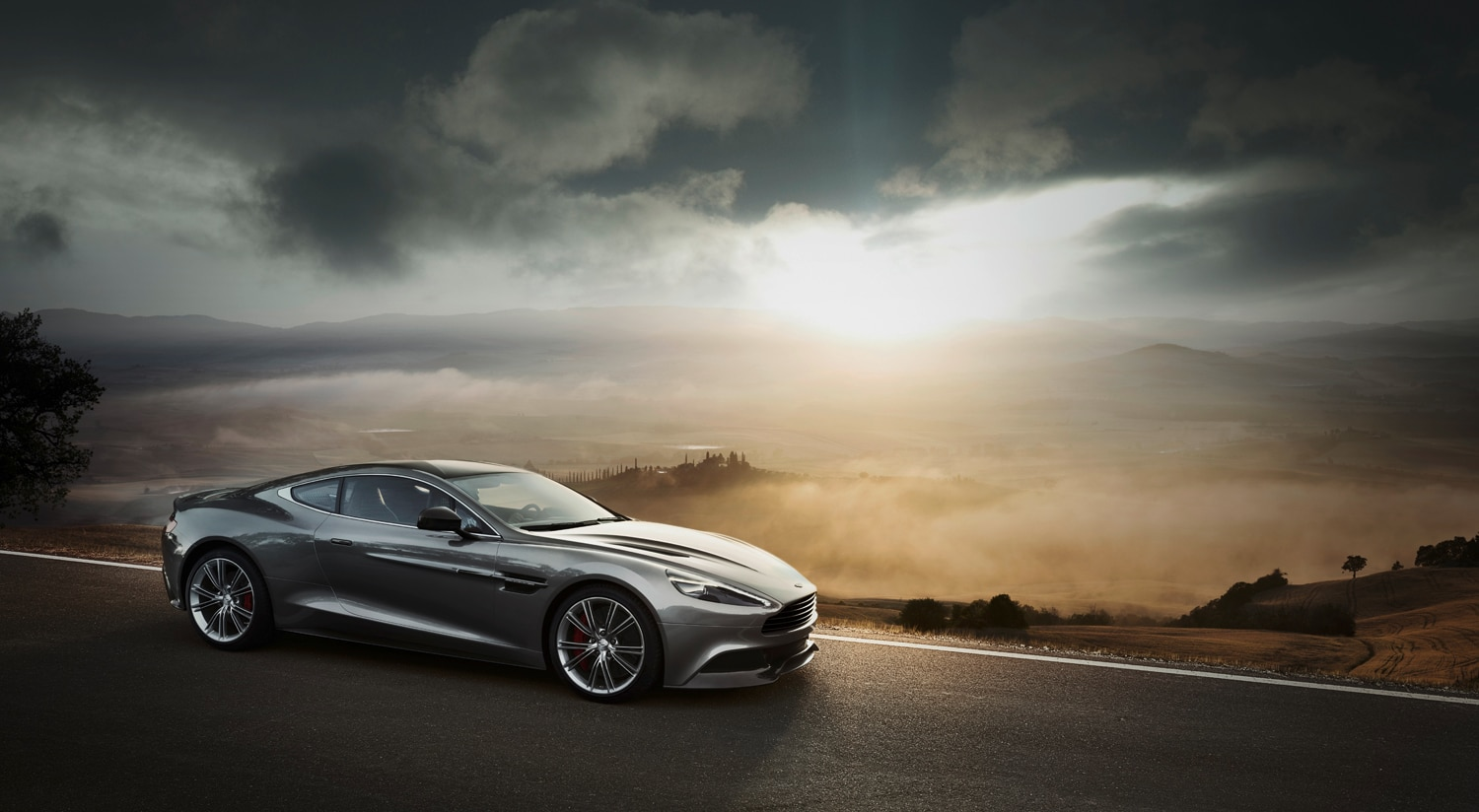 2013 Aston Martin Vanquish Front Three Quarter1