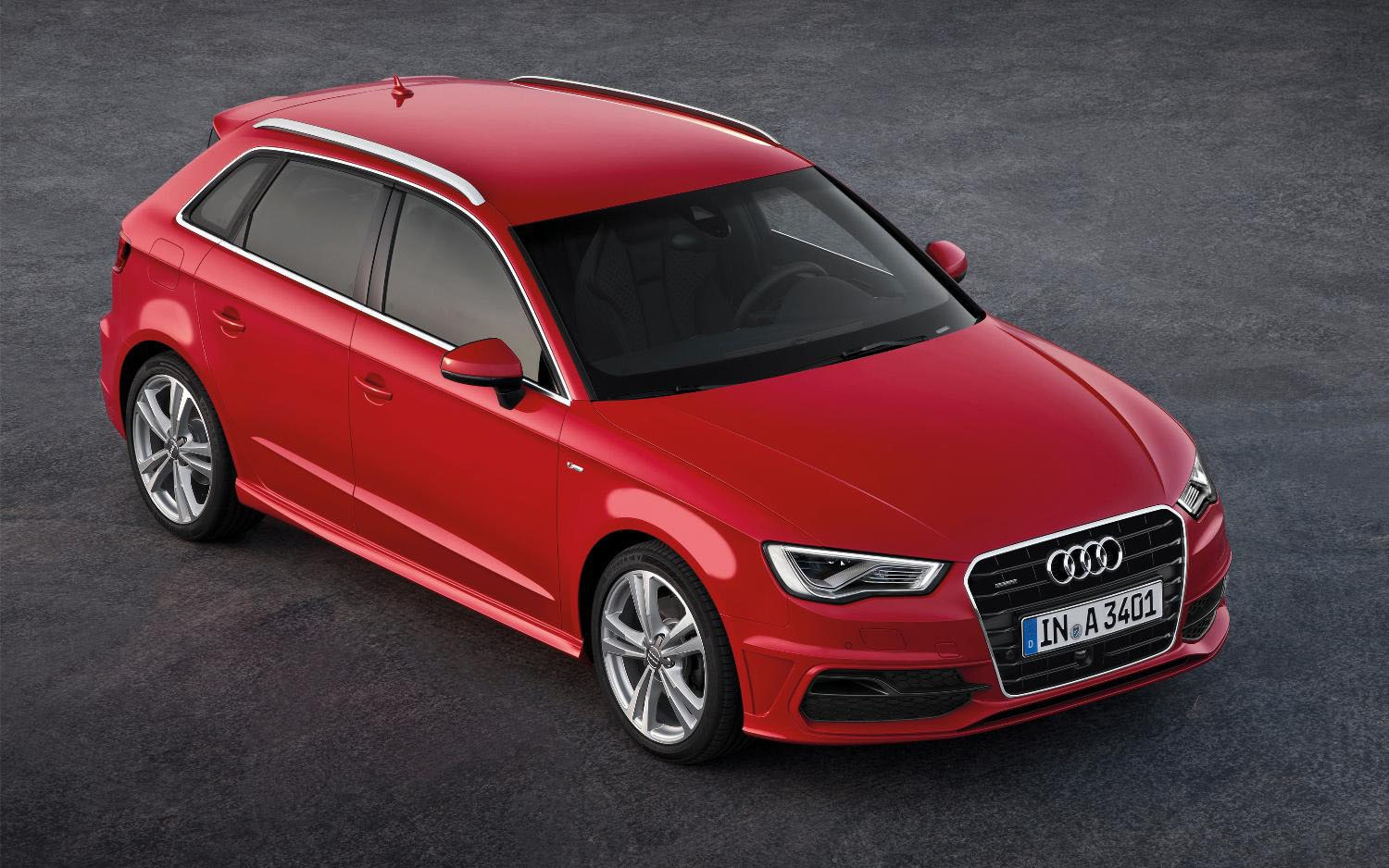 2013 Audi A3 Sportback Front Three Quarter1