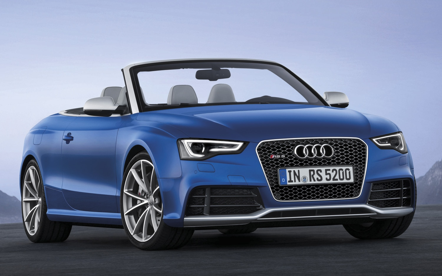 2013 Audi RS5 Cabriolet Front Three Quarters View 21