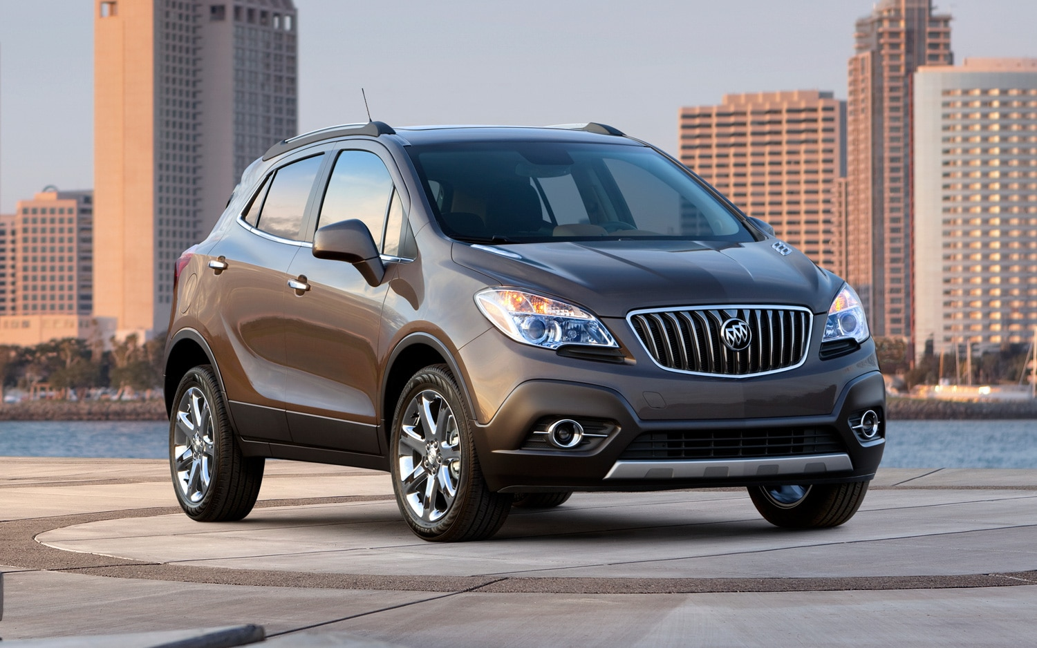 2013 Buick Encore Front Three Quarter 11