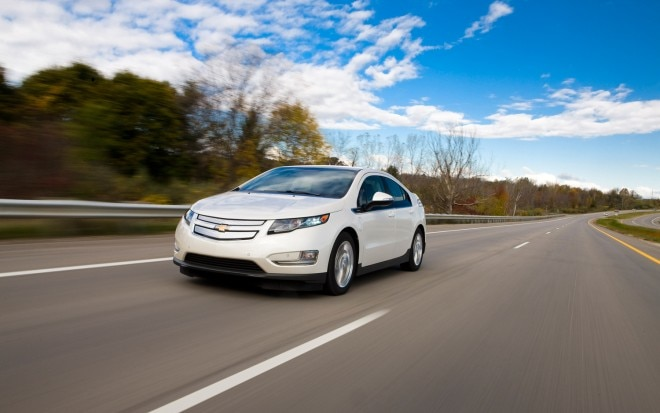 2013 Chevrolet Volt Front Three Quarter In Motion1 660x413