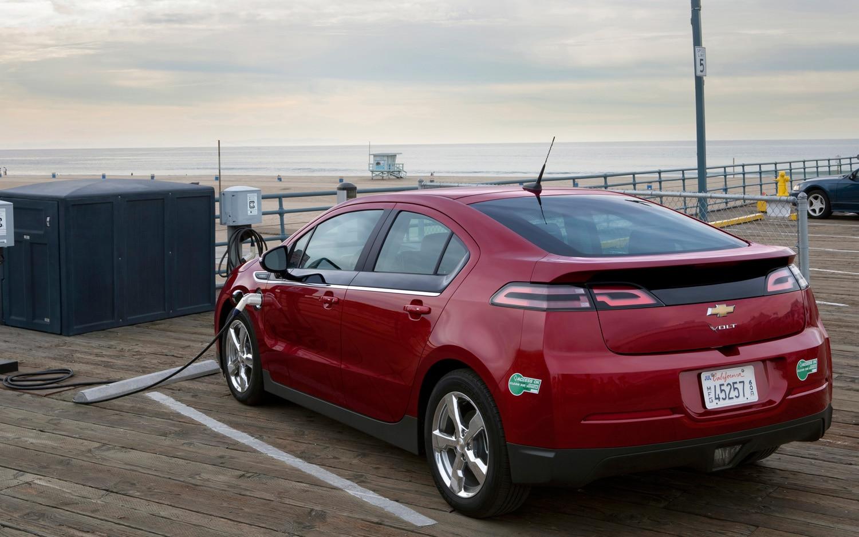 2013 Chevrolet Volt Rear Three Quarter Charging1