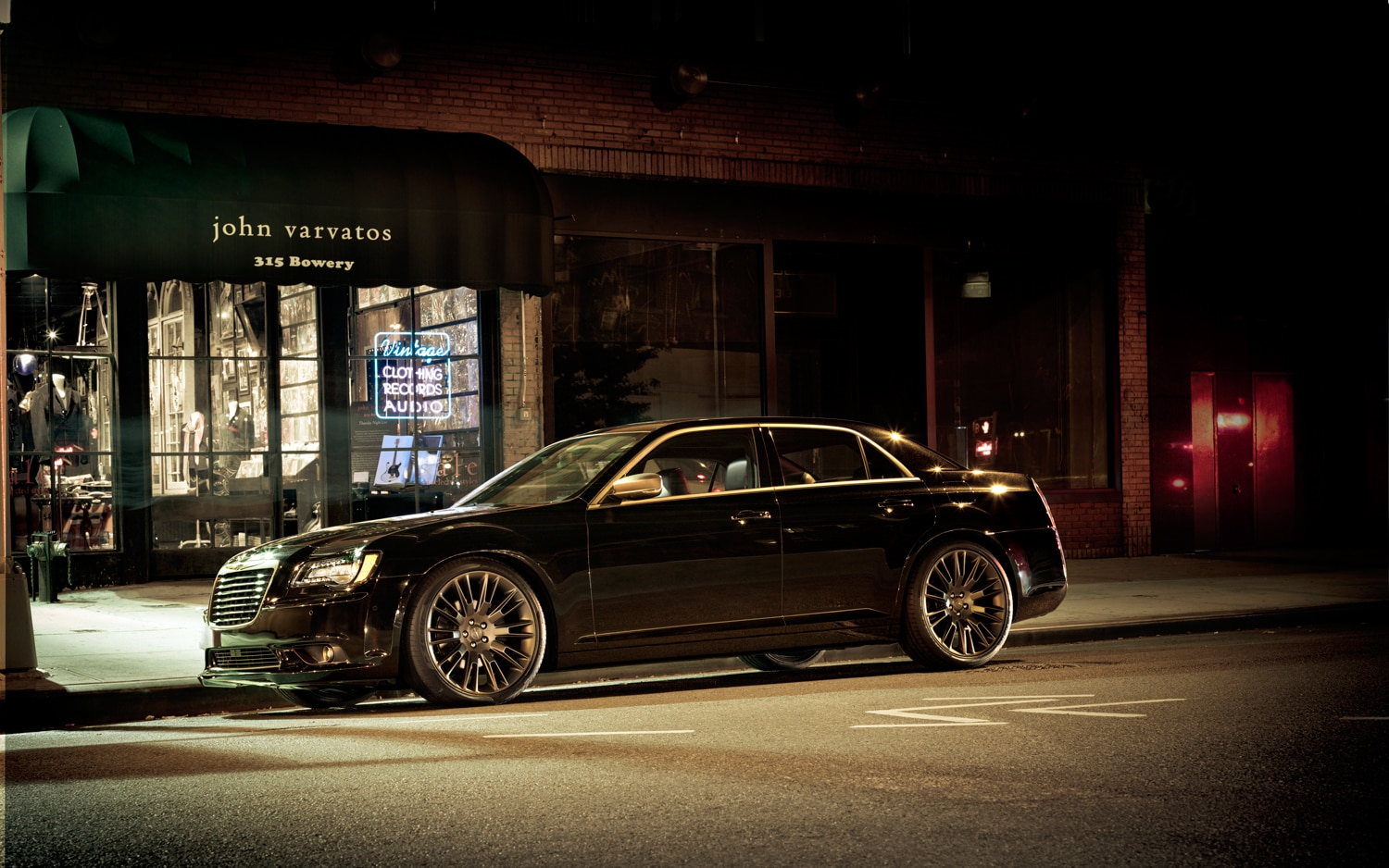 2013 Chrysler 300C John Varvatos Limited Edition Profile1