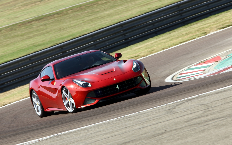 2013 Ferrari F12 Berlinetta Front Right View1