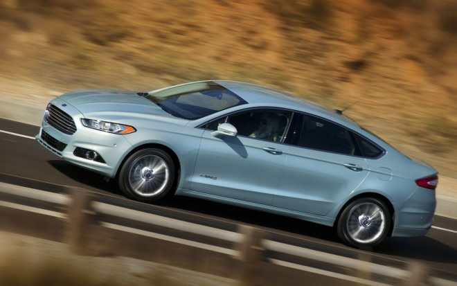 2013 Ford Fusion Hybrid Profile In Motion 660x413