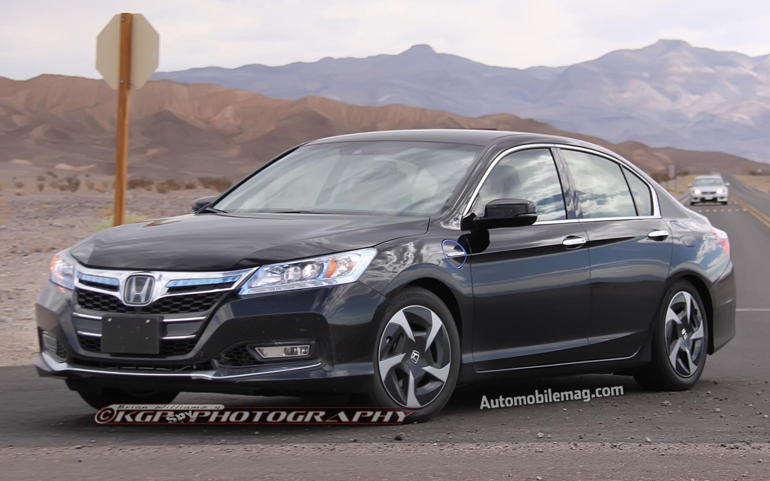 2013 Honda Accord PHEV Hybrid Front Three Quarters View 21