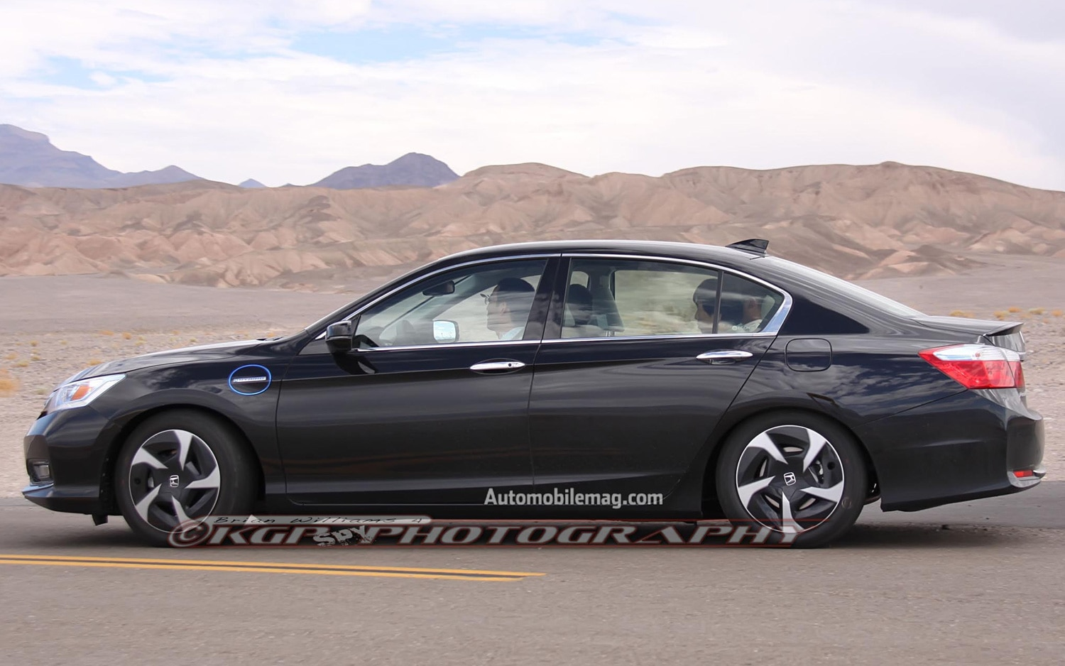2013 honda accord phev hybrid caught with no camo for Honda accord used 2013
