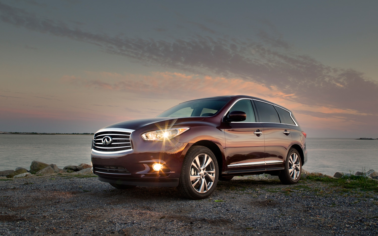 2013 Infiniti JX35 Front Left Side View1