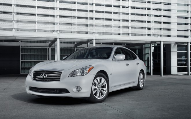 2013 Infiniti M35h Front Three Quarter1 660x413