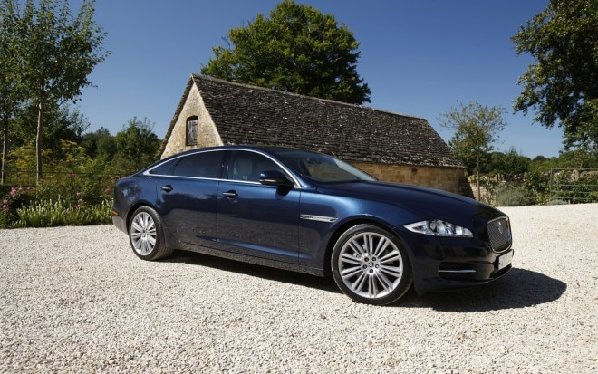 2013 Jaguar XJ Front Right Side View1 660x413