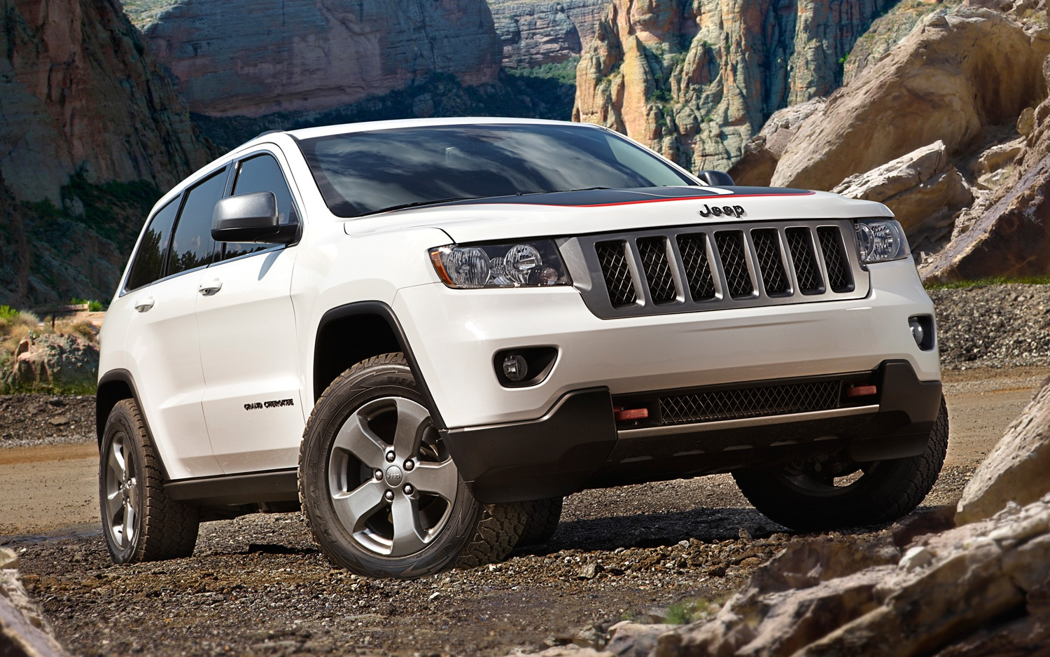 jeep reveals production grand cherokee trailhawk wrangler moab special editions. Black Bedroom Furniture Sets. Home Design Ideas