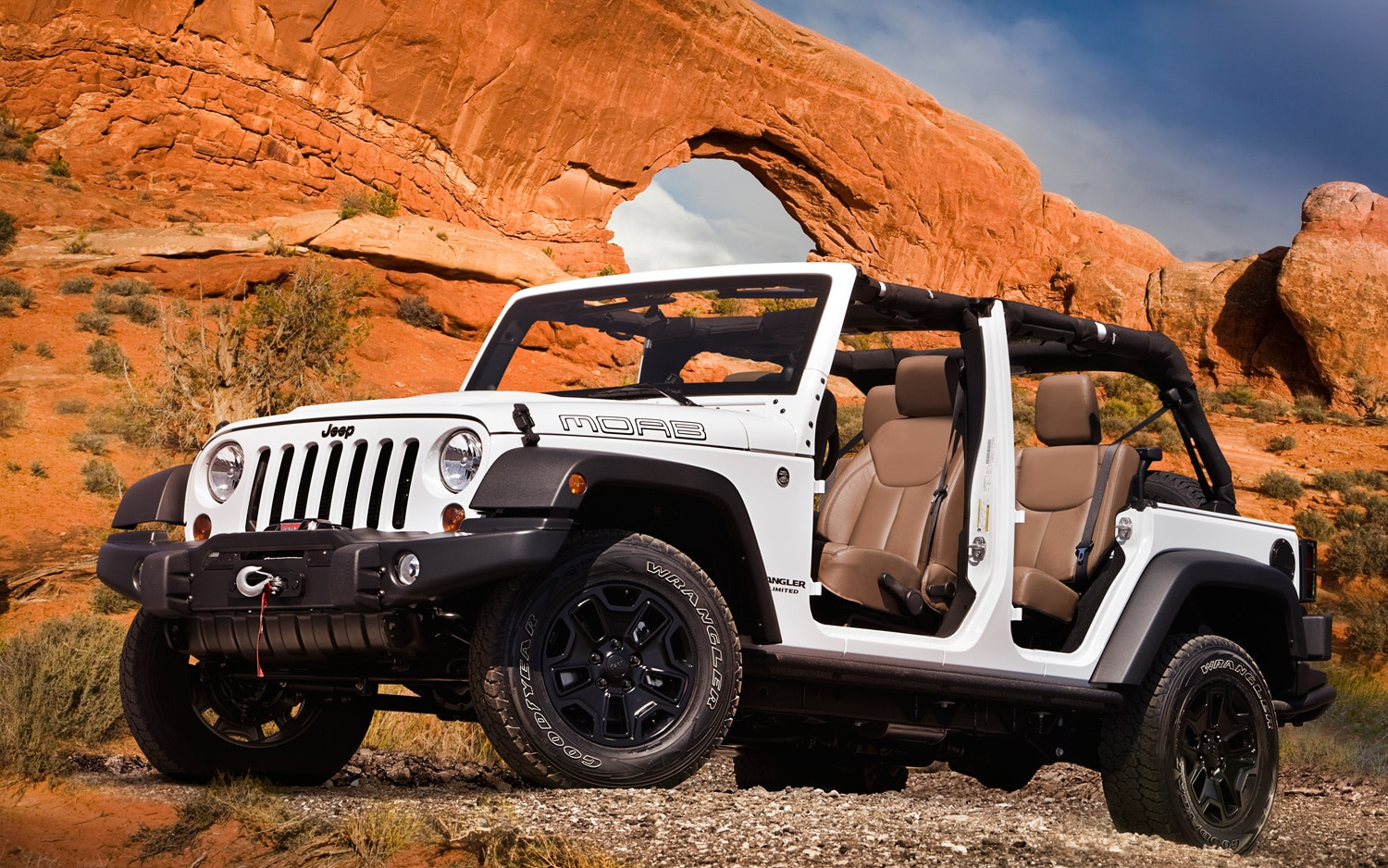 2013 Jeep Wrangler Moab Front Three Quarter Doors Off 11