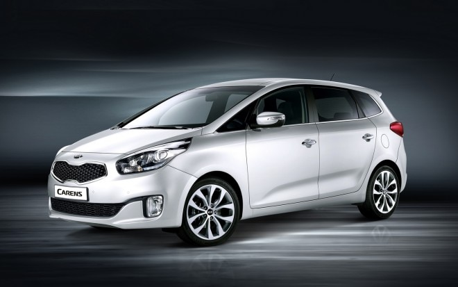 2013 Kia Carens Front Three Quarter1 660x413