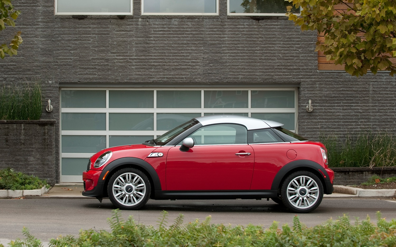 2013 mini pricing list released countryman john cooper works starts at 35 550. Black Bedroom Furniture Sets. Home Design Ideas