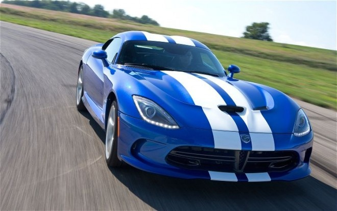 2013 SRT Viper GTS Blue Front View In Corner1 660x413