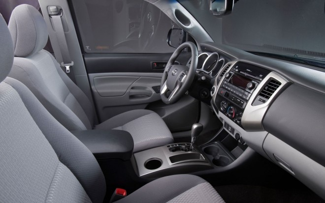 2013 Toyota Tacoma Interior1 660x413