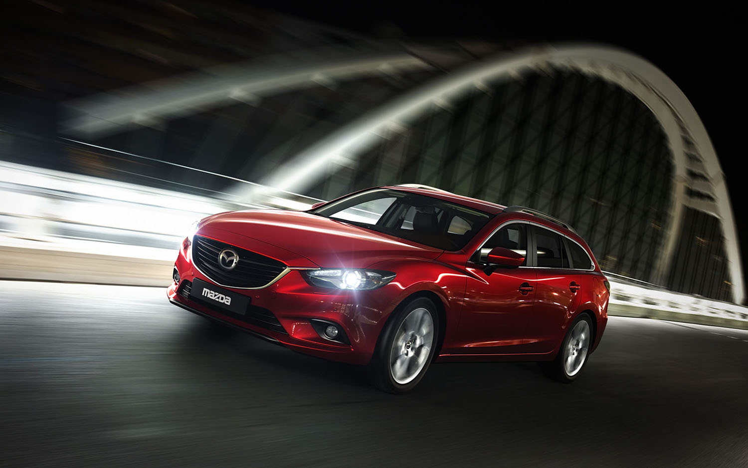 2014 Mazda6 Wagon Front Three Quarter1