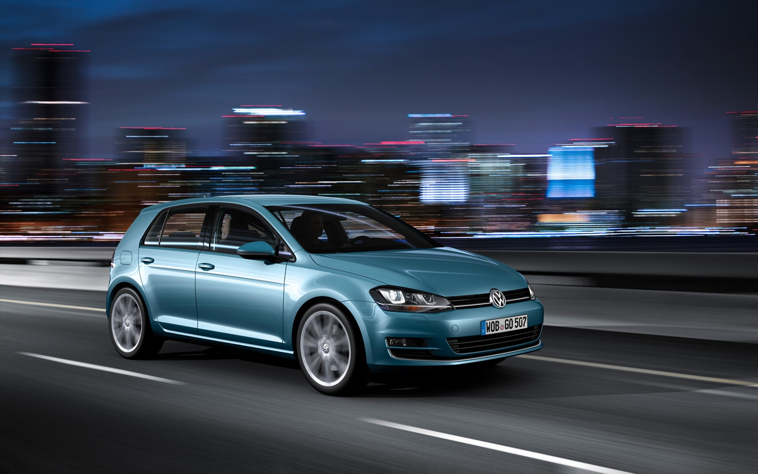 2014 Volkswagen Golf Front Three Quarter 2