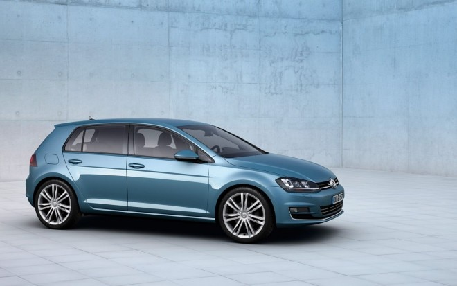 2014 Volkswagen Golf Front Three Quarter 31 660x413