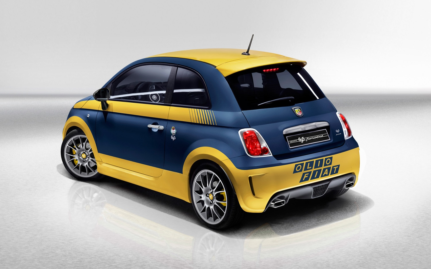 Abarth 695 Fuori Serie Left Rear 11