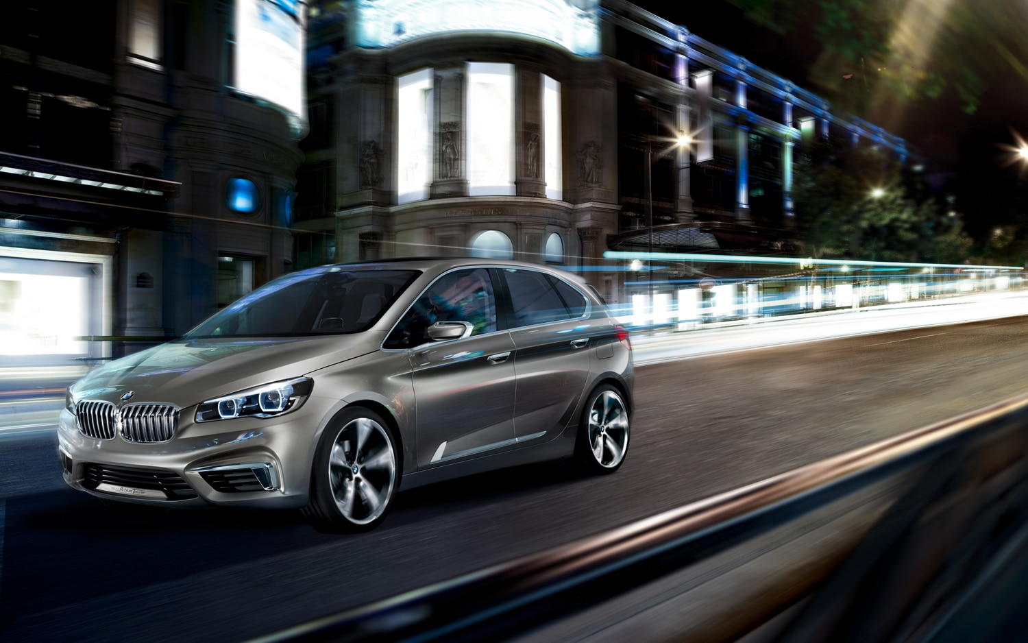 BMW Concept Active Tourer Front Left Side View 21