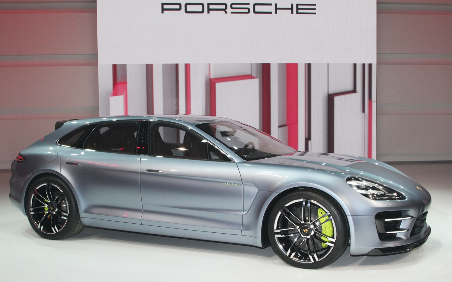 Porsche panamera sport turismo concept first look automobile porsche panamera sport turismo concept front three quarters sciox Image collections