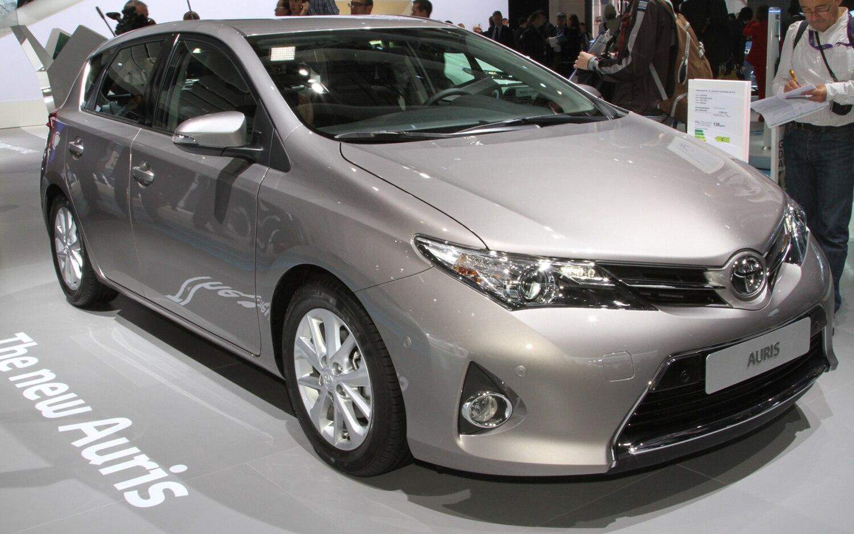 Toyota Auris Front1
