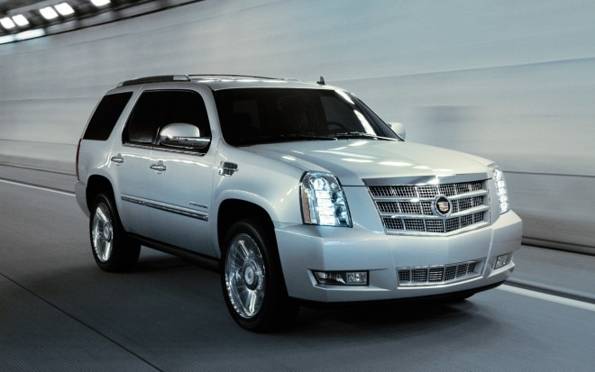 2013 Cadillac Escalade Platinum Right Front 11 660x413