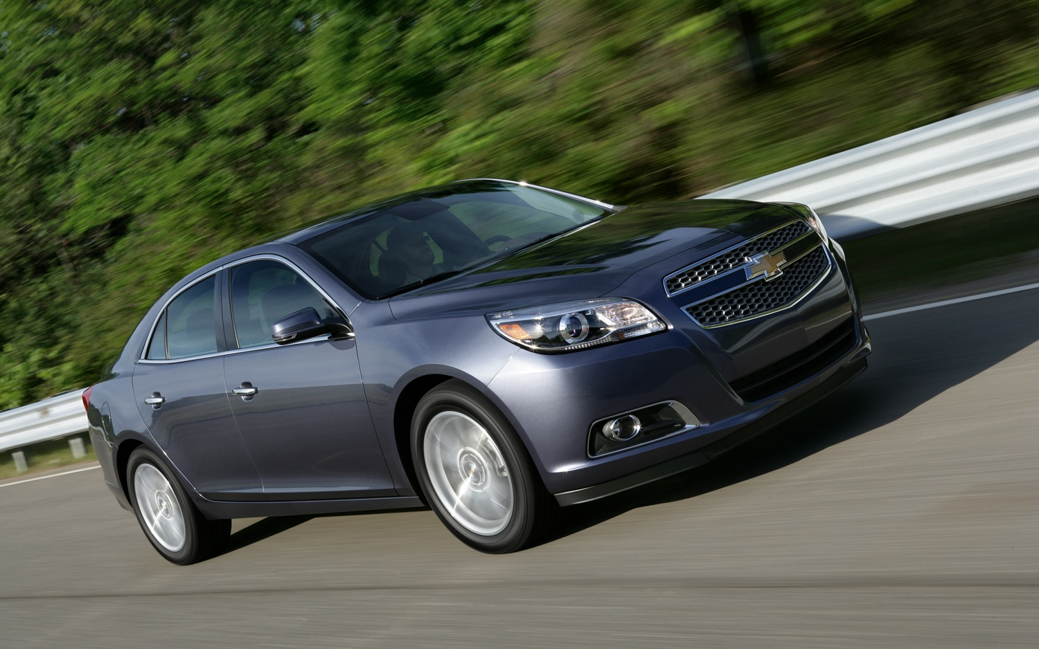 2013 Chevrolet Malibu Turbo Front Three Quarter In Motion 21