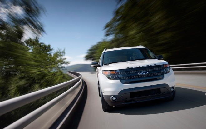 2013 Ford Explorer Sport Front End In Motion 21 660x413