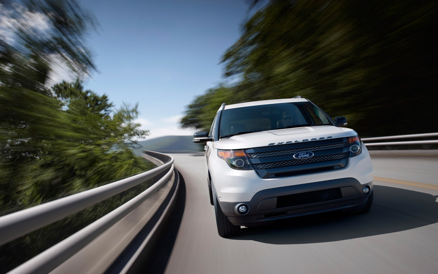 2013 Ford Explorer Sport Front End In Motion 21