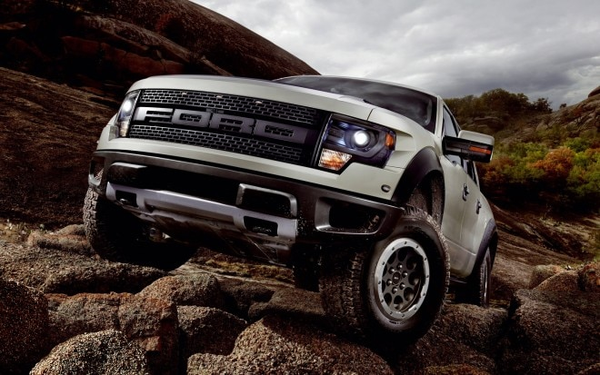 2013 Ford F 150 SVT Raptor Front Off Roading1 660x413