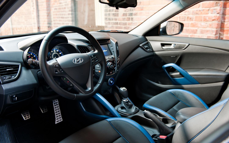 Tiny funky turbos 2013 hyundai veloster turbo 2012 - Hyundai veloster interior accessories ...