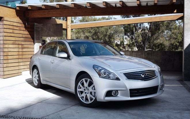 2013 Infiniti G37 Sedan Front Right View1 660x413