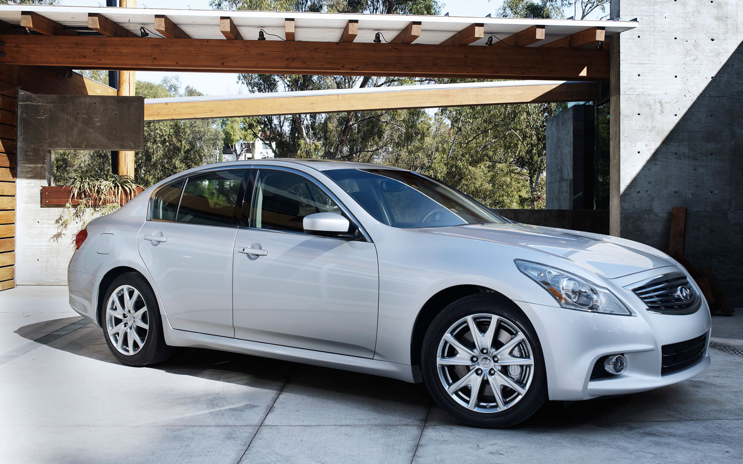 priced 2013 infiniti g37 sedan starts above ex37 at 37 795. Black Bedroom Furniture Sets. Home Design Ideas