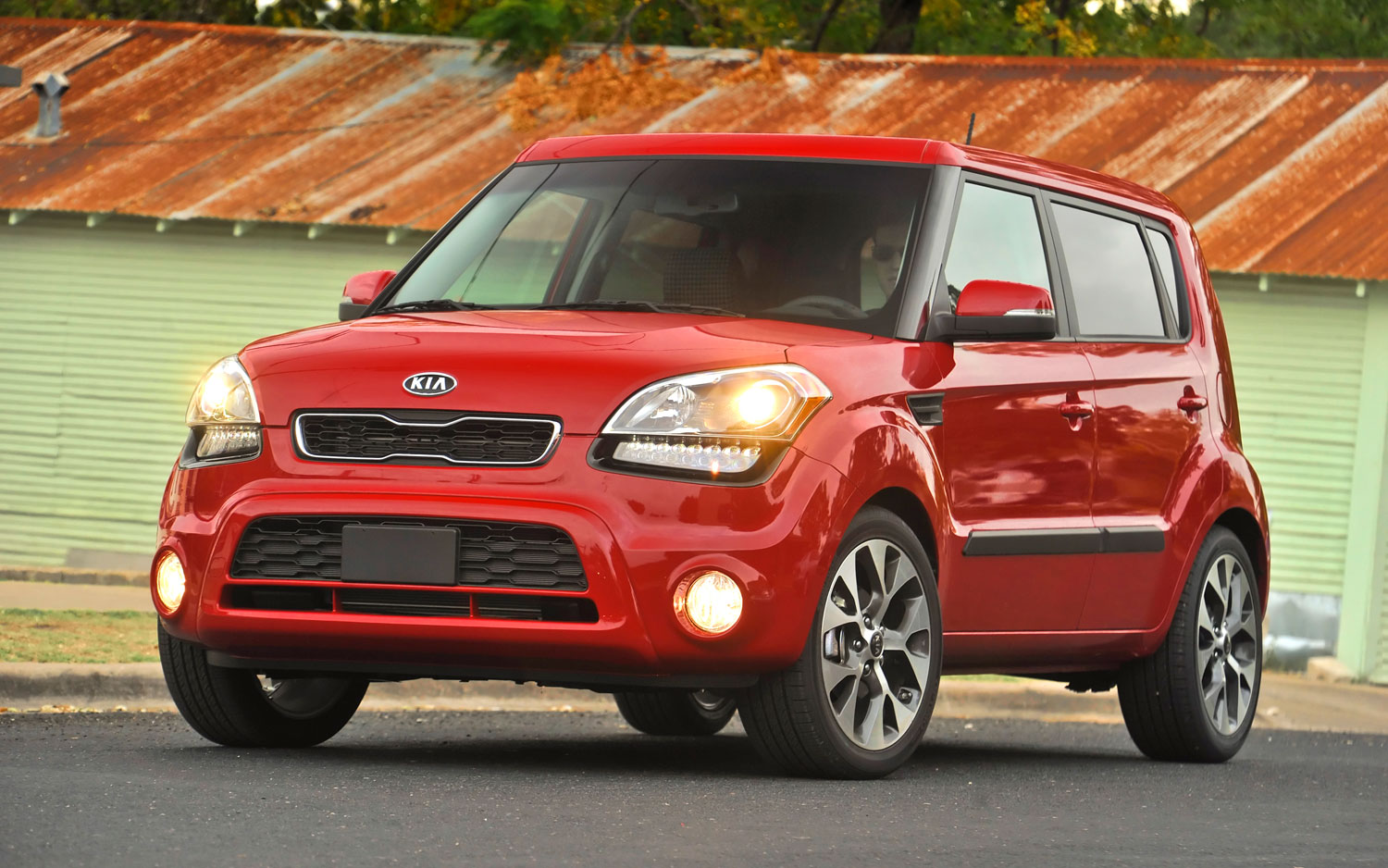 2013 Kia Soul Front Three Quarter View1