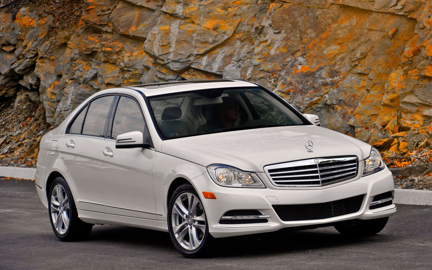 2013 mercedes benz c300 4matic gains power economy m for 2013 mercedes benz ml 350