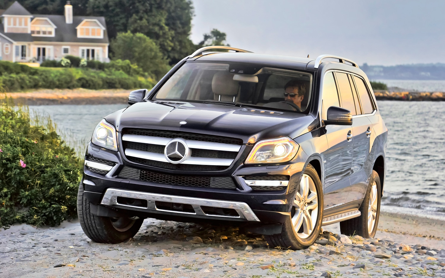 2013 Mercedes Benz GL450 Front Three Quarter1