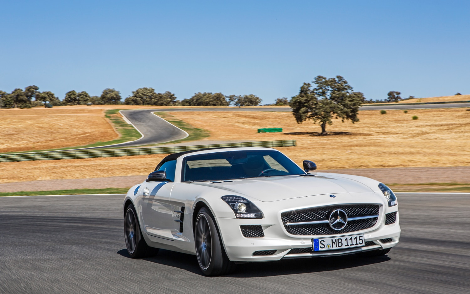 mercedes benz shows off 2013 sls amg gt in new photos. Black Bedroom Furniture Sets. Home Design Ideas