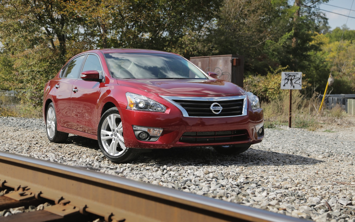 2013 Nissan Altima 3 5SL Front Right View1